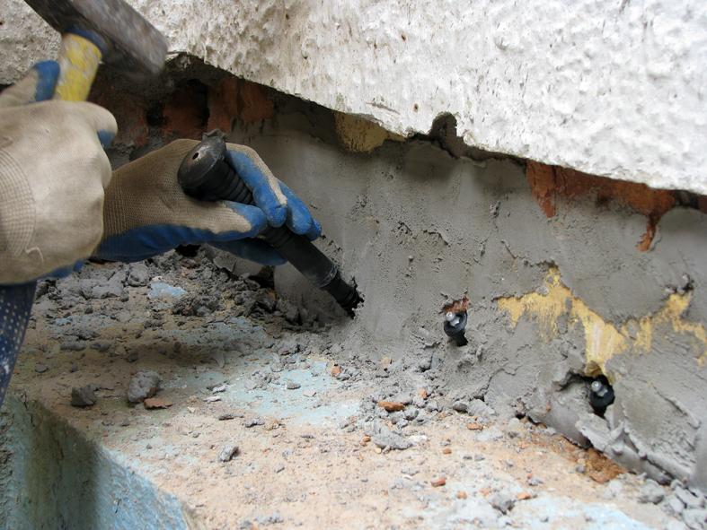 Отсечка подсоса капиллярной влаги стен акрилатным гелем_IMG_1268